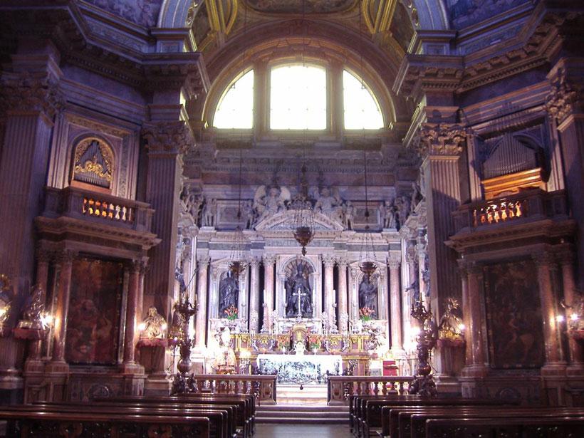 ↑ナポリにあるサン・ジェンナーロ礼拝堂