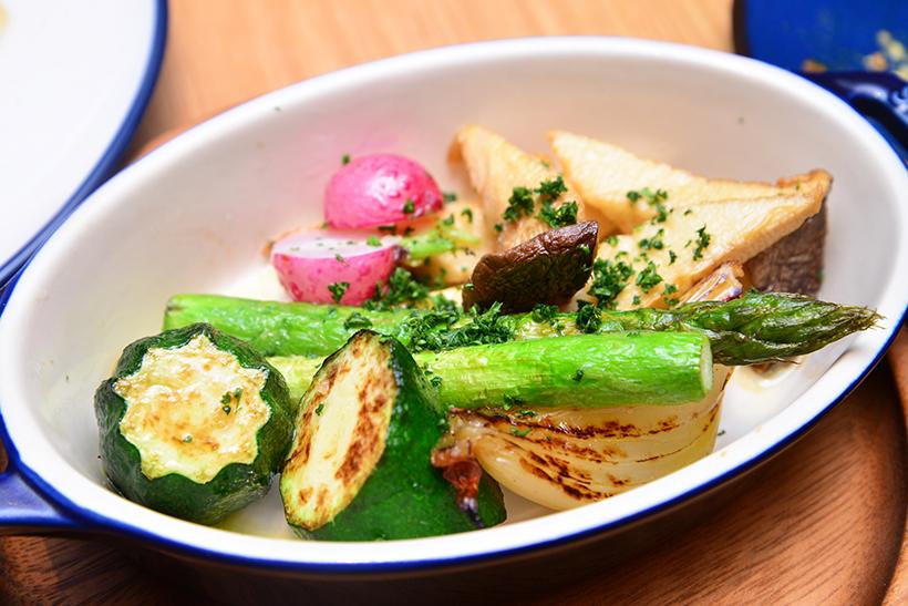 ↑旬野菜のロースト(1600円)