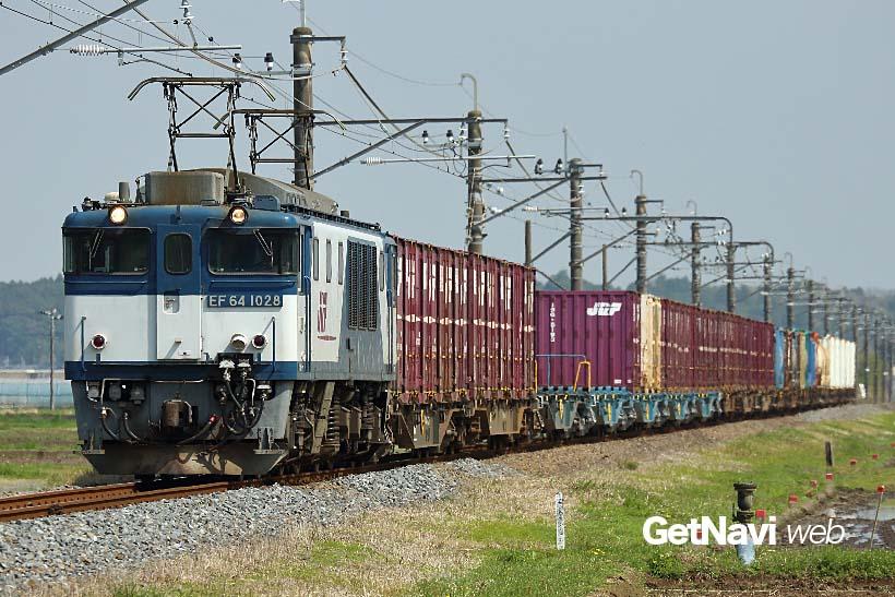 ↑山岳路線向けに造られたEF64。3月4日以降も総武本線、成田線の運用が続けられている
