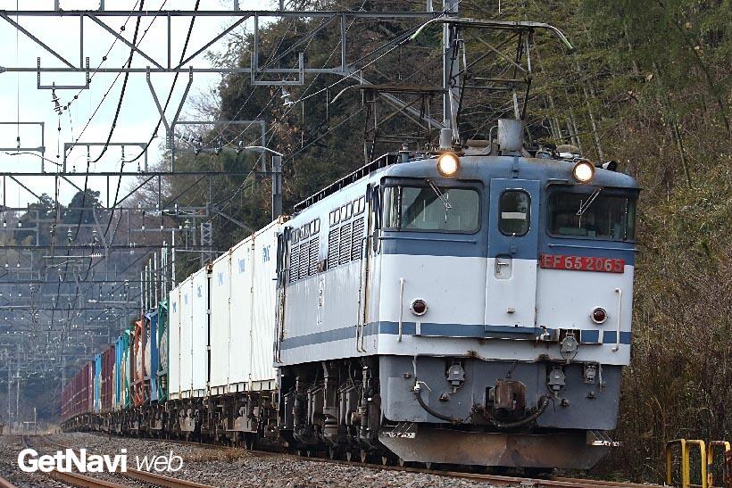 ↑3月4日以降、首都圏と鹿島スタジアム間を走るEF65のけん引列車が1往復するようになった