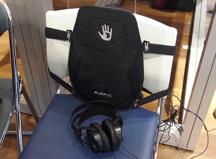 ↑椅子などに取り付けて使用します