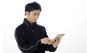 高校の教育現場でタブレットの普及が進むも、教師のスキル不足で活用できていない