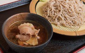 【立ち食いそば】ムチっとした麺がつゆで煮た豚肉にマッチ! 選べる「ゆでたて」もぜひ試したい馬喰横山「みまつ」