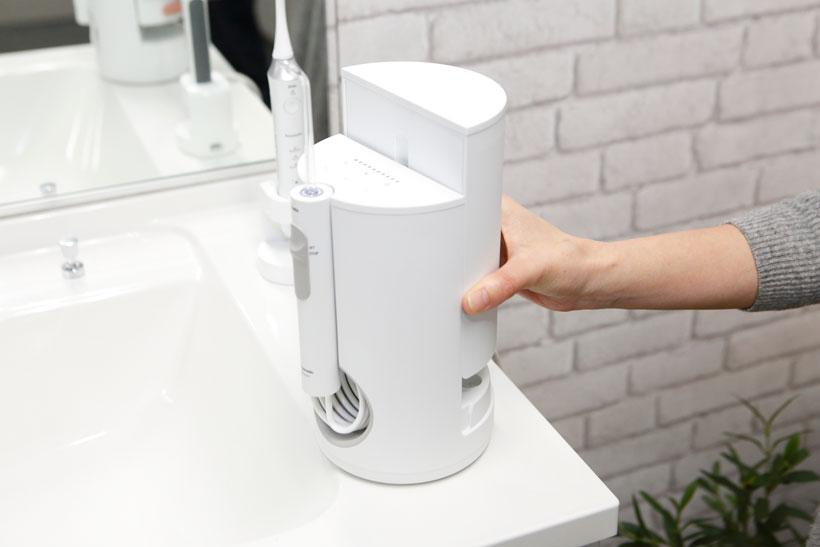 ↑洗面所で違和感なく置けるスタイリッシュなデザイン