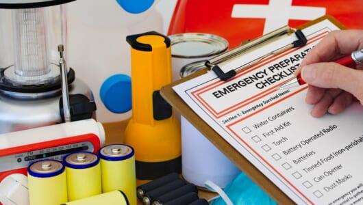 緊急時のために備えておくべし! 被災を経験した女性が「現場でとても役に立った」と語る3つのアイテム