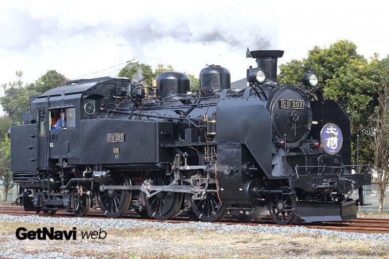↑SL大樹はC11形蒸気機関車がけん引する。南栗橋車両管区では連日のように試運転が続けられている