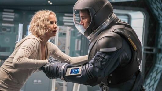 宇宙空間で命綱がブチッ…『パッセンジャー』衝撃の本編映像が解禁