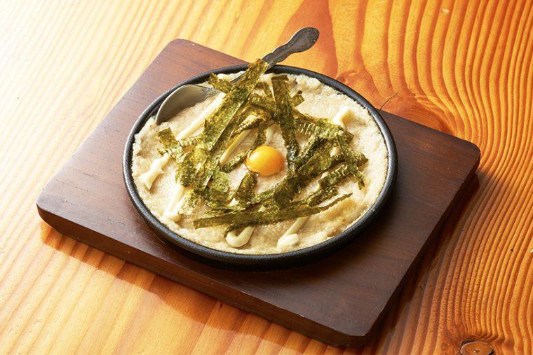 ↑フワッとトロッと焼き上げた山芋は、ホクホクの食感。ダシの旨味もおいしさの秘密