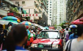 市場をトラムが走る! 香港・北角はフォトグラファーの冒険心をくすぐる街