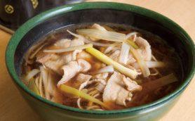 昭和が香る素朴なそばにほっとひと息…天ぷらをつまみに朝から飲めるそば好き・酒好きの天国「信濃路 蒲田店」