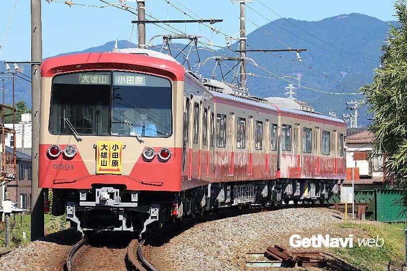 ↑赤電塗装となった5000系5501編成。5501編成は5000系で唯一の鋼製車両でもある