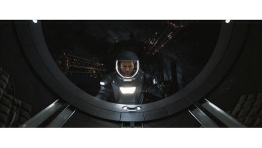 これが宇宙遊泳の感覚なのか!? 『パッセンジャー』特別映像の秘密装置がスゴイ!【動画】