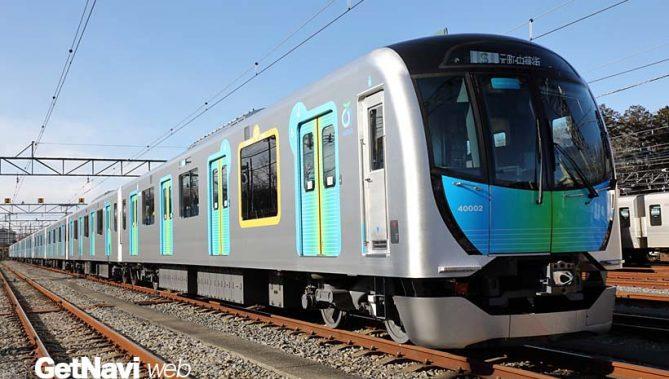 ↑ついにデビューした40000系「S-TRAIN」。車体はリサイクルが可能なアルミダブルスキン構体が用いられた