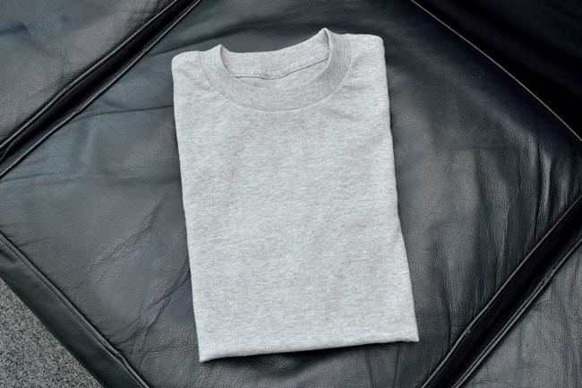 ↑実際にデモンストレーション版のランドロイドが全自動でたたんだTシャツ。まるでブティックの商品のようにきれいにたたまれていました