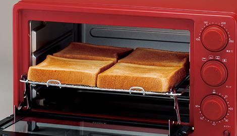 ↑コンパクトに見えて、トーストなら一度に4枚も焼ける、ひろびろ設計もポイントです