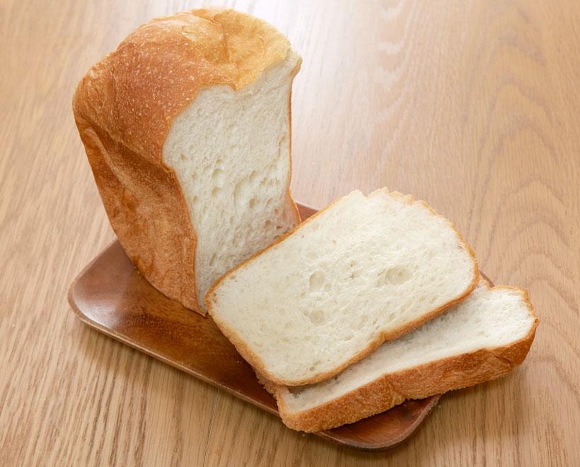 ↑一方、その美味しさに衝撃を受けたのが「パン・ド・ミ」。柔らかく滑らかで上品な食感も素晴らしいのですが、パンの香りも非常に際立っています。一度このパン・ド・ミを食べると、もう普通の食パンコースには戻れません