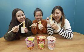 日本の有名トムヤムクン食べ比べで決定! 本場タイの人も認める「市販の絶品トムヤムクン味カップ麺」