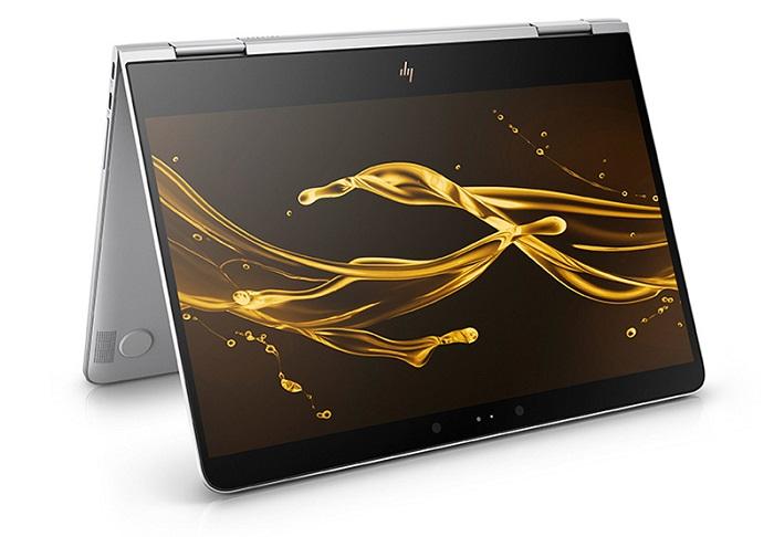 ↑ディスプレイを360度回転できタブレットとしても使えます