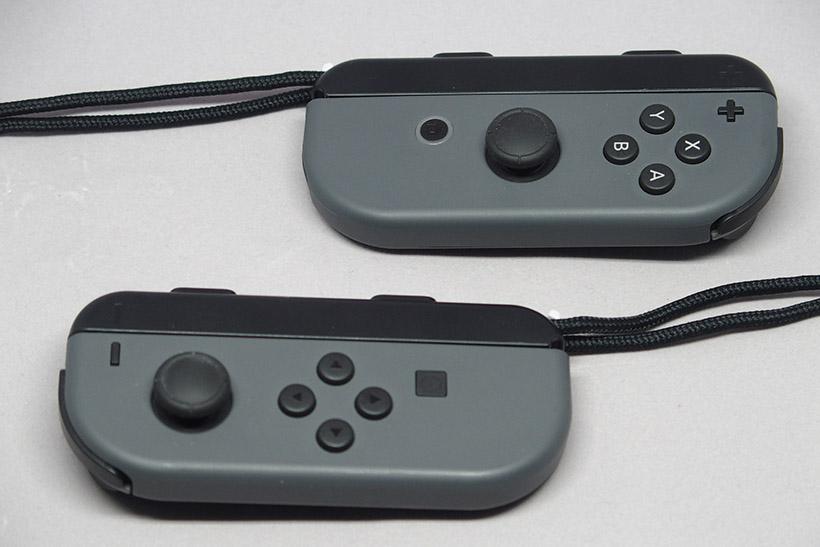 ↑ストラップを装着し、Joy-Conひとつずつをひとり用のコントローラーとして使用できます