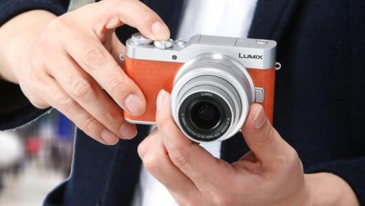 旅のお供に最適なカメラはどれ? 最新「ミラーレス一眼」3モデルの撮影力をプロが採点してみた!