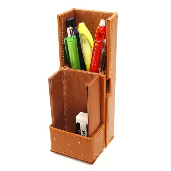 ↑スマートなペン立てに。取り出しやすいので、普段からこの状態で机の上に立てておいても良さそうだ