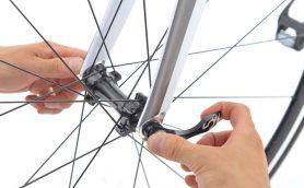 タイヤを安全かつスムーズに脱着するには? ロードバイクの「クイックリリース」の正しい使い方を画像でチェック!