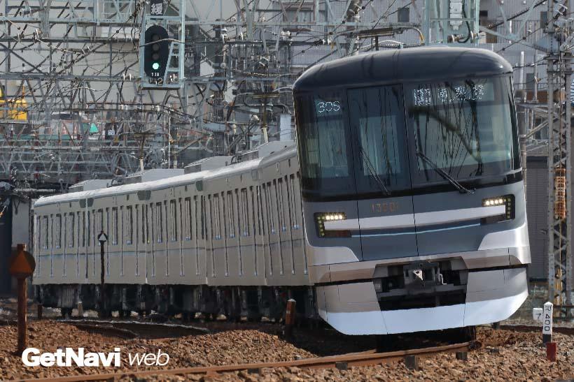↑東京メトロ13000系は4扉7両編成で統一。日比谷線の新しい顔となる予定の新型車両だ