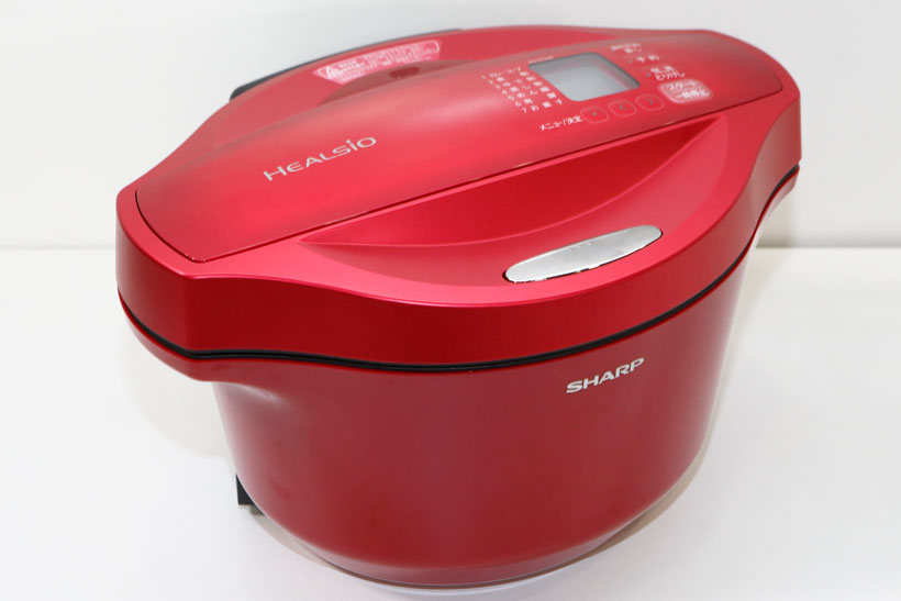 ↑食材の水分を活用して調理ができる水なし自動調理鍋ヘルシオ ホットクック KN-HT24B