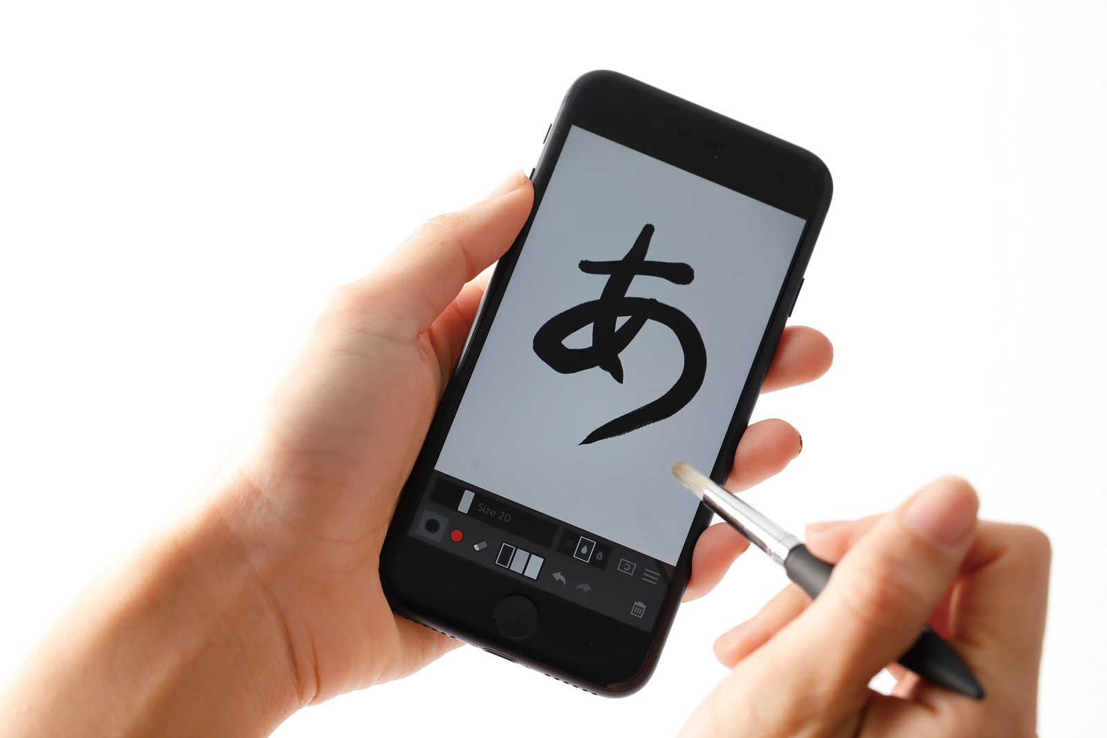 ↑ 「Zen Brush」という書道を楽しめるアプリでの活用がオススメ!本当に筆で書いているような書き心地だ