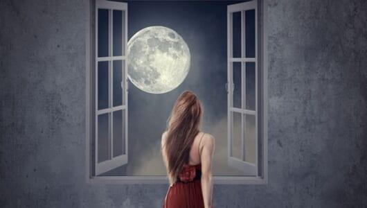 月には文明があった!? 知っていると自慢できる「月の都市伝説」