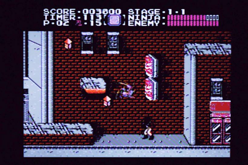 ↑アメリカの裏通りを駆け抜ける1面。空中攻撃で発動する強力な忍術「回転斬り」は、なるべく発動させず忍術ポ イントをキープしてボス戦で使おう