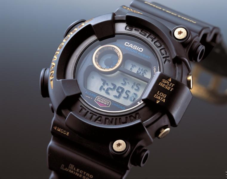 ゴールドチタンフロッグマン DW-8200B-9A