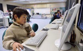 学校現場に押し寄せるICTの波――学習指導要領にみるここ30年の情報教育の流れ