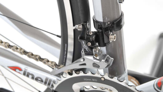 【画像多数】変速のかみ合う位置を根気よく探すべし! ロードバイク・カンパニョーロのフロントディレイラー調整方法