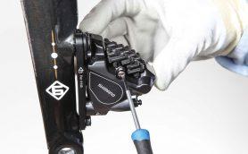 【画像多数】工程はシンプルでも調整は意外にデリケート! ロードバイク・ブレーキパッドの交換方法(シマノ他)