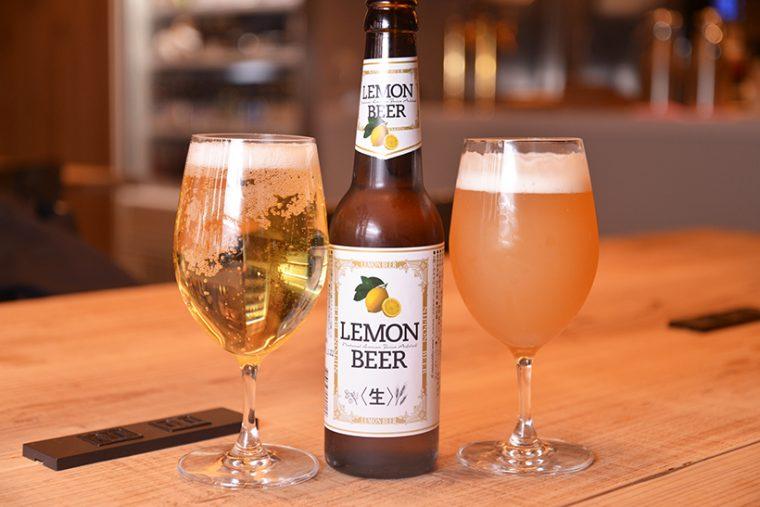 ↑ビールも充実。レモンビール(左/756円)、ヒューガルデンホワイト(右/594円)