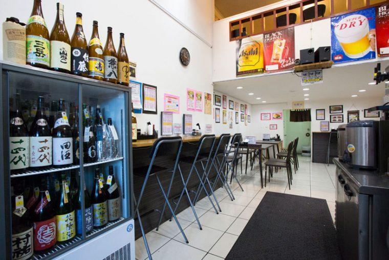 ↑日本酒の冷蔵庫も完備。中にはそうそうたる銘柄が