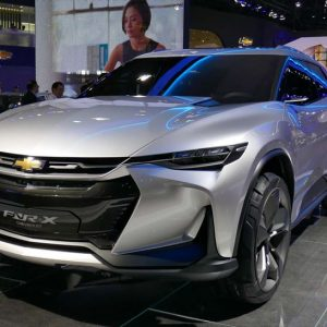 ↑GMのシボレーブランドが発表した自動運転を想定したPHEVコンセプト「FNR-X」