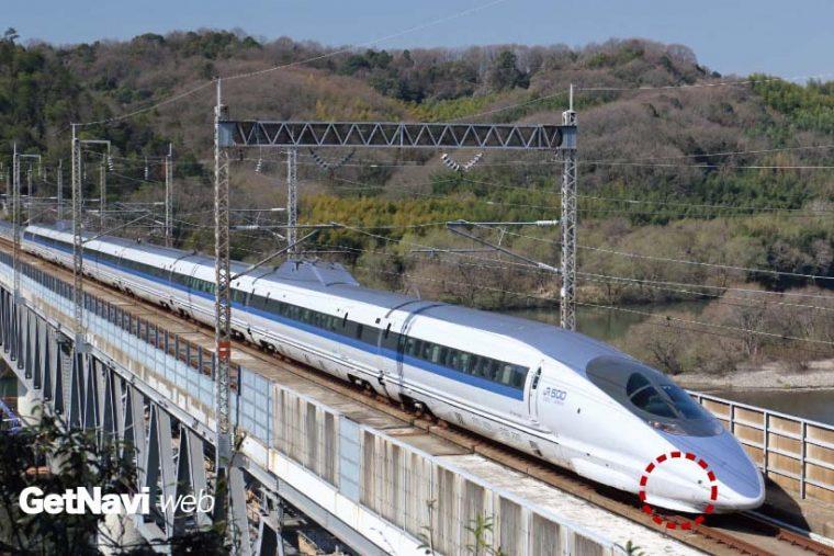 ↑風景絡みの写真や、新幹線などの速い列車は置きピンを利用したほうが賢明。ピントは事前に赤い丸の付近に合わせておく(山陽新幹線・新倉敷〜岡山間)