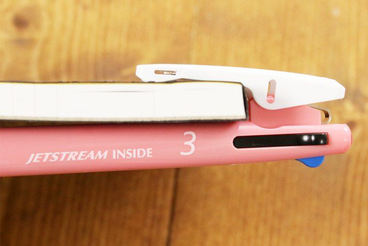 ↑7~8mmの厚さぐらいまでなら、クリップが折れる心配なくはさめる