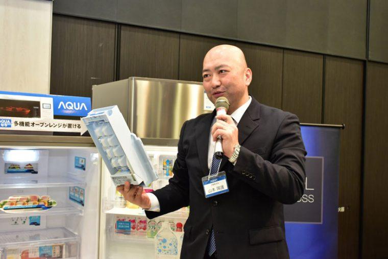 ↑自動製氷機能を搭載しており、給水経路をすべて洗えるようになっている