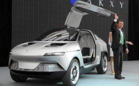 """旭化成が""""コンセプトカー""""を発表!? しかもEV!? 京大発ベンチャー「GLM」と共同開発した走るショーケース"""