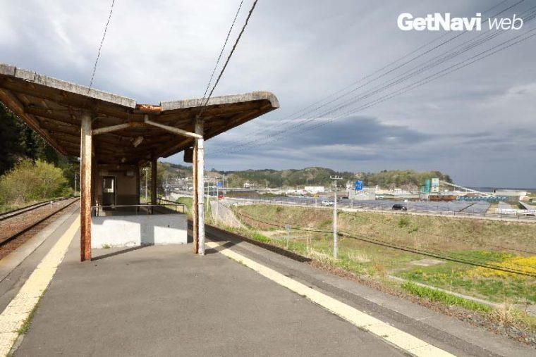 ↑三陸鉄道北リアス線の田老駅。駅からは海岸にかけて今も多くの空き地が広がっている