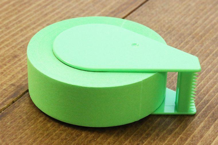 ↑一体感の強い樹脂パーツと紙テープ