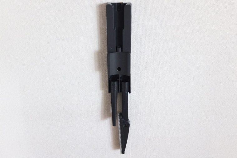 ↑付属のすき間ノズルとベタすき間ノズルを、充電台に収納できます