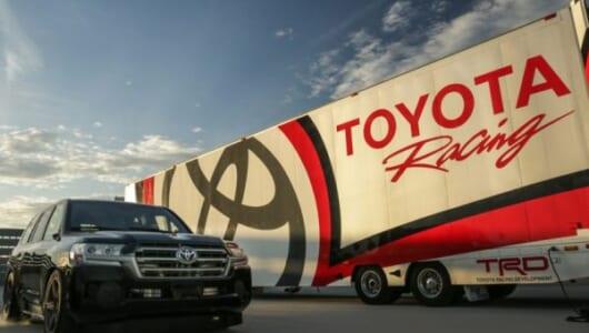 なんと約370km/h! トヨタが2000馬力の「ランドクルーザー」でSUV世界最速記録を樹立【動画】