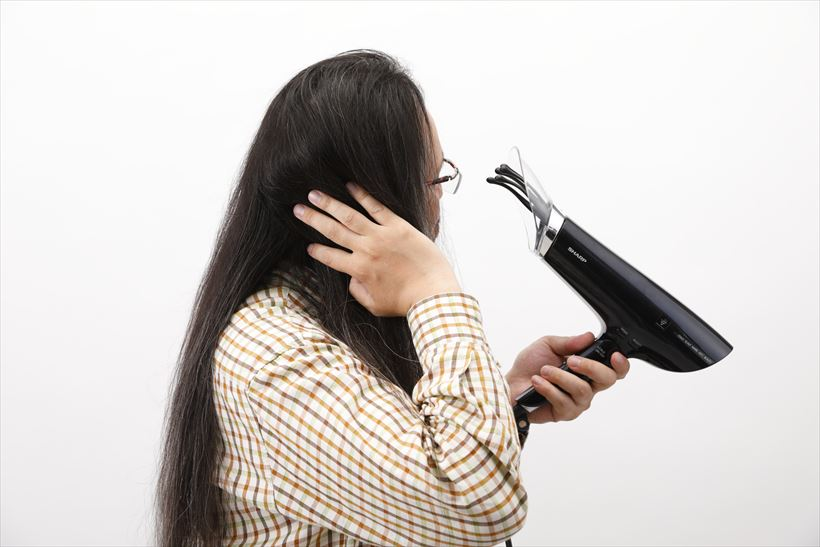 ↑髪の毛の絡まりもないですし、ツヤも違います。これがプラズマクラスターのイオン効果なのでしょうか