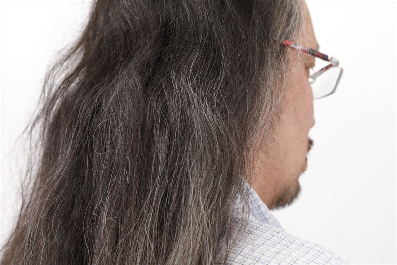 ↑髪質はパッサパサ