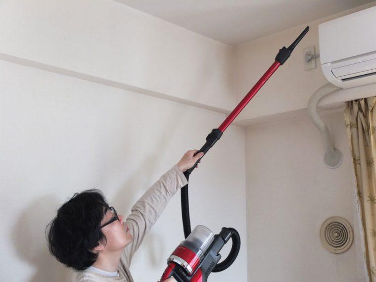 ↑本体と延長パイプの間にホースを入れれば、エアコンの掃除にも使えます