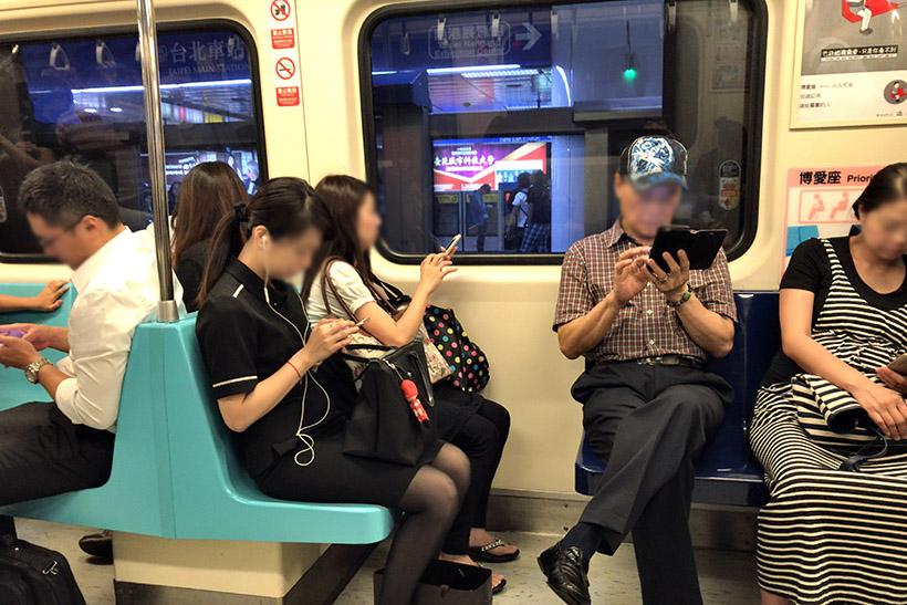 ↑台湾の地下鉄車内
